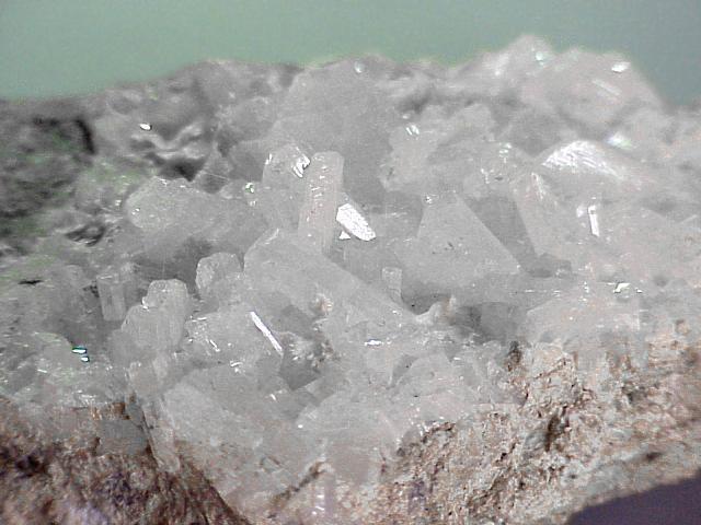 Альбит   (минерал группы полевых шпатов)