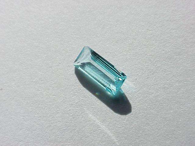 Параиба-турмалин  (минерал группы турмалина)