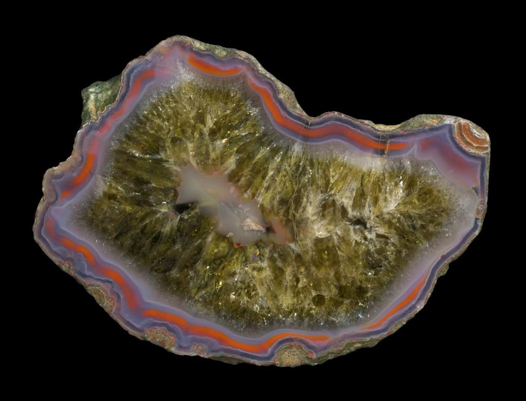 Празиолит  или  Вермарин  (зеленый обраб. кварц)