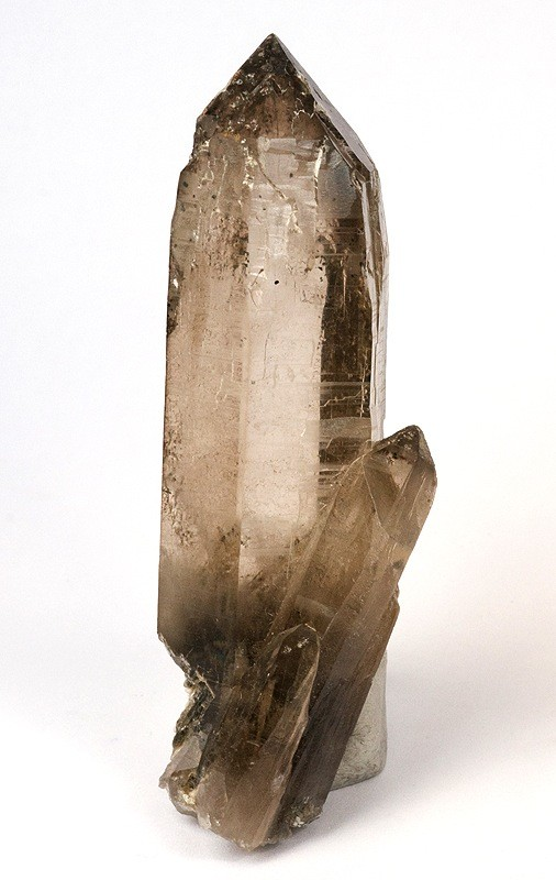 Раухтопаз  -  синоним  дымчатого  кварца