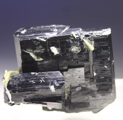 Танталит (Стибиотанталит, Манганотанталит)
