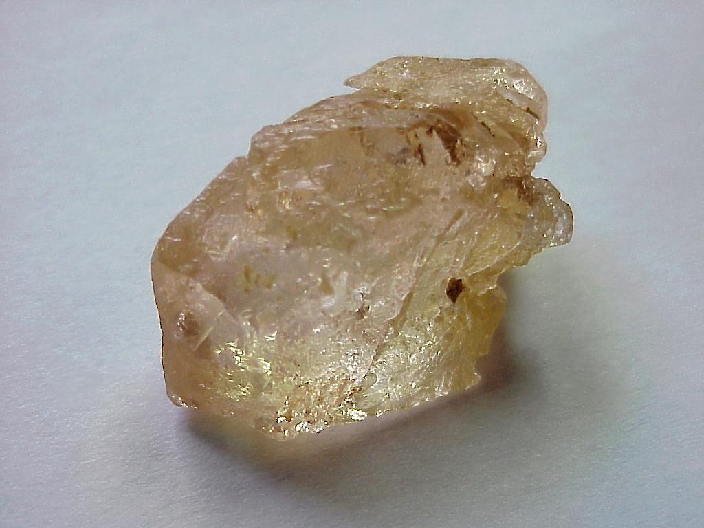 Воробьевит (разн.берилла или синоним морганита)