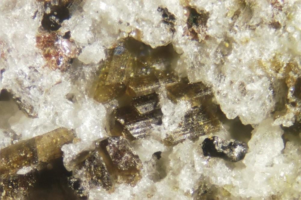 Гиперстен  (группа и минерал)